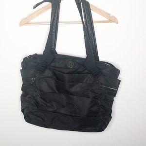 Lululemon ruffled everyday duffel bag in black